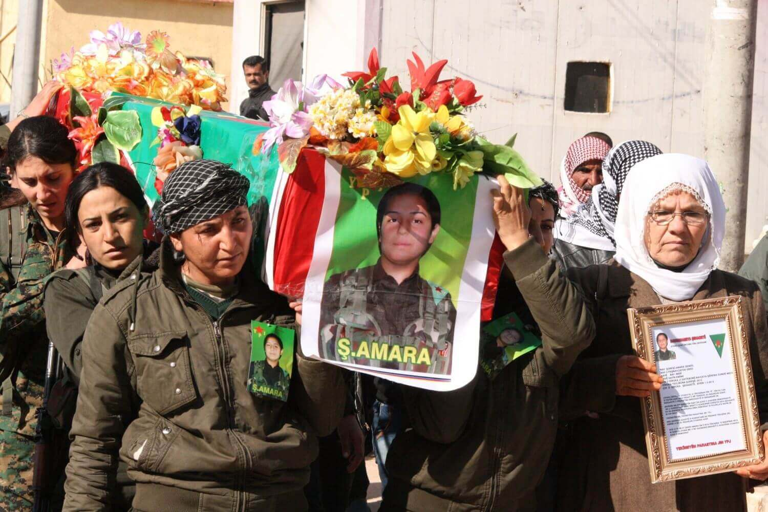 Funeral of a young YPJ fighter who was killed in Kobanê Efrîn, February 3, 2015