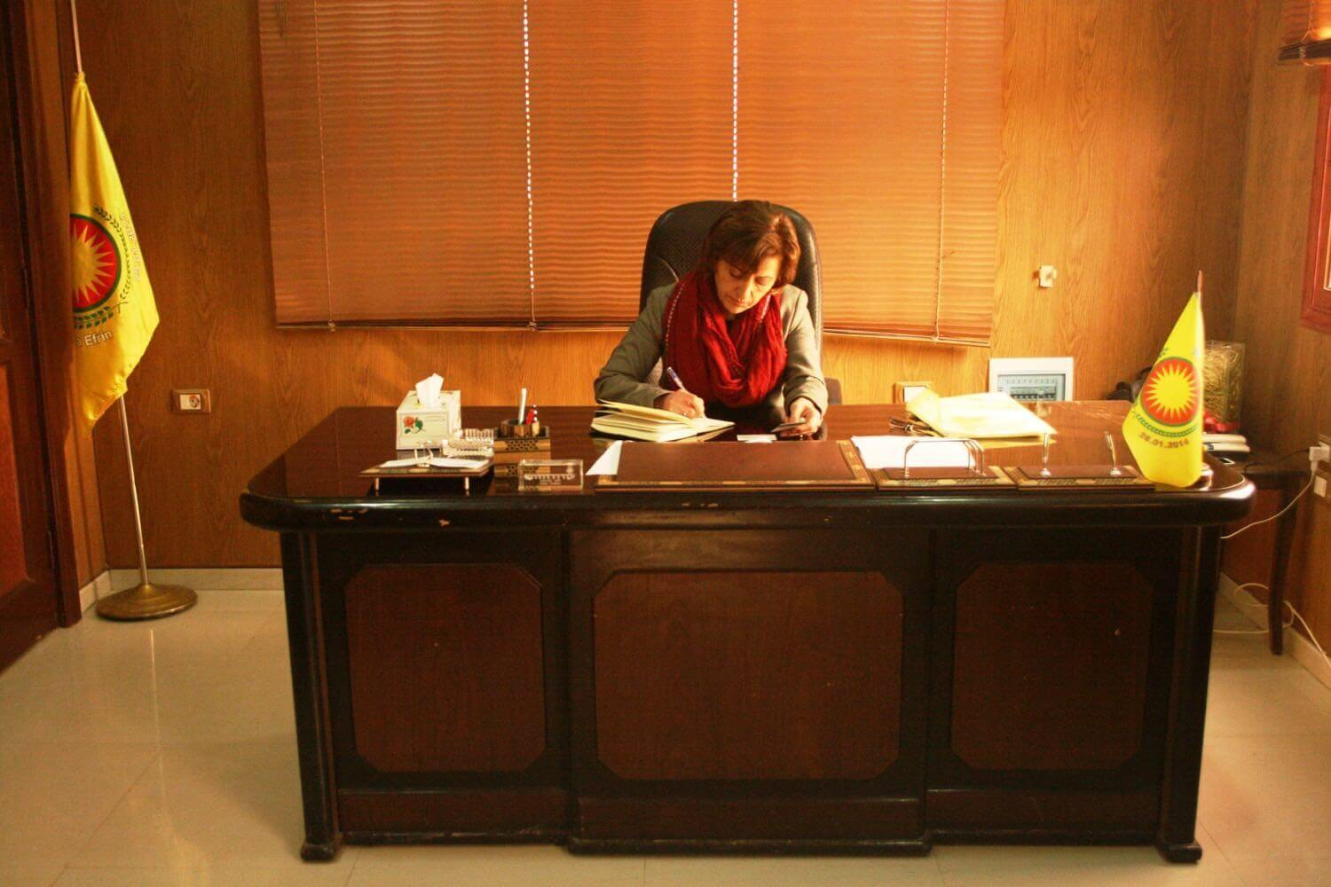 Hevi Ibrahim Mustefa, Prime Minister of the Canton Efrîn in her office February 2, 2015
