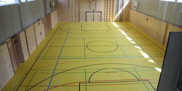 Der großzügig angelegte Turnsaal ermöglicht ausreichend Bewegung im Schulalltag.