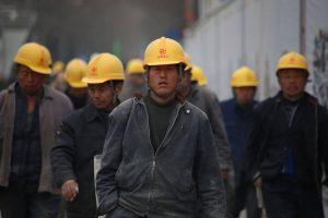 Verschiebung von Arbeitsplätzen als Konsequenz vom umregulierten Weltmarkt