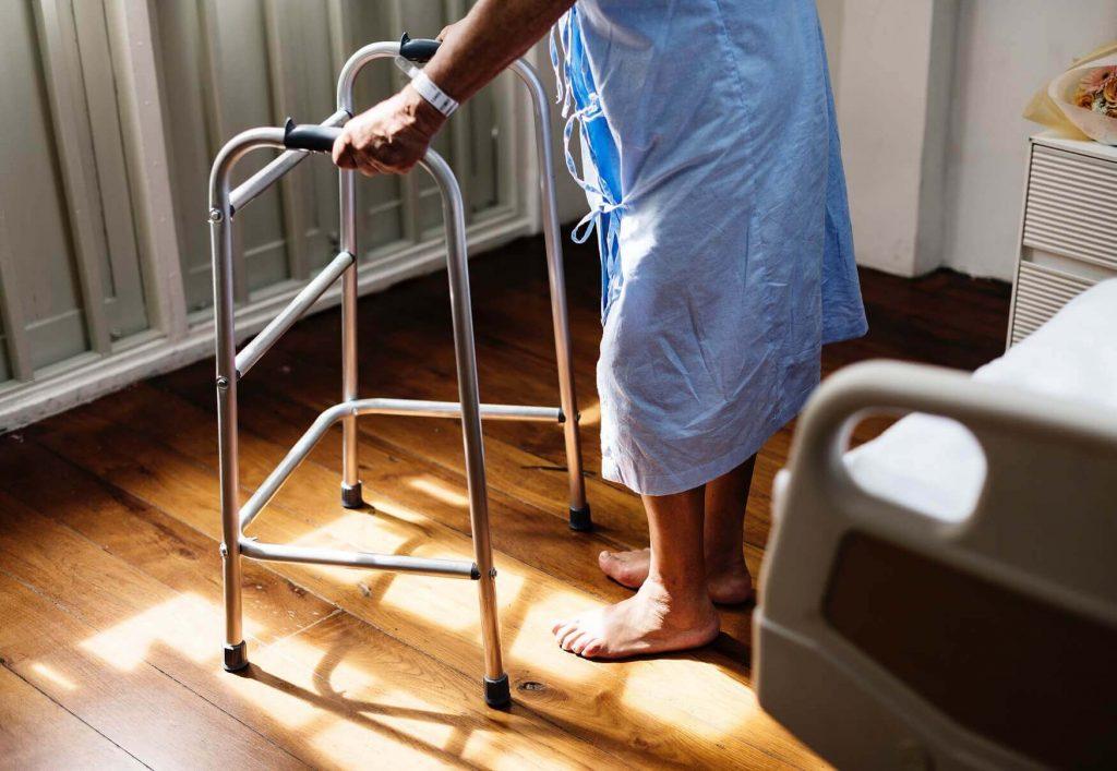 Die Anerkennung von Pflege als Schwerarbeit fordern Gewerkschaft und SPÖ.