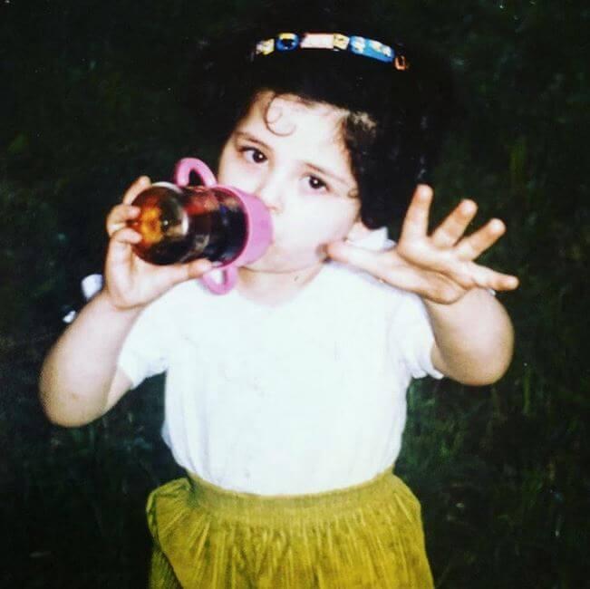 Gazal Sadeghi als Kind