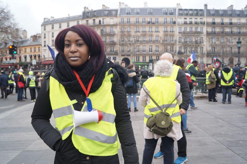 Frankreich - Paris 2019, Gelbwesten Frau die gegen Macron demonstirert - Foto: Lea Fauth