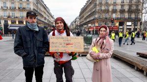 Genereatiosnübergreifender Protest bei den Gelbwesten in Frankreich. Bild zeigt Personen aus drei verschienden Altergruppen