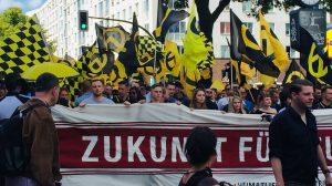 Bei der FPÖ sind die Identitären oft Grund zum Einzelfall