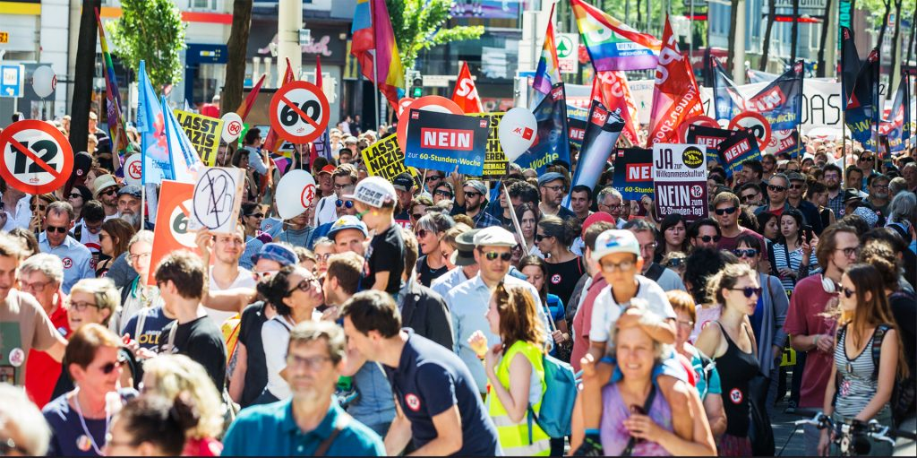 tausende übten kritik an den plänen der regierung kurz