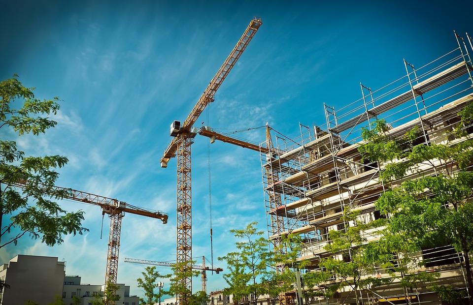 Mieten und Preise für Wohnen werden teurer, weil Spekulanten Bauprojekte verzögern