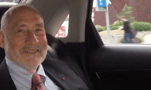 """Joseph Stiglitz: """"Unternehmen sind zu mächtig, Arbeiter haben zu wenig politische Macht"""""""