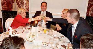 Vilimsky fehlt häufig bei Abstimmungen im EU Parlament. Das hält ihn aber nicht davon ab Champagner Feste mit EU Geldern zu feiern, wie dieses Bild zeigt
