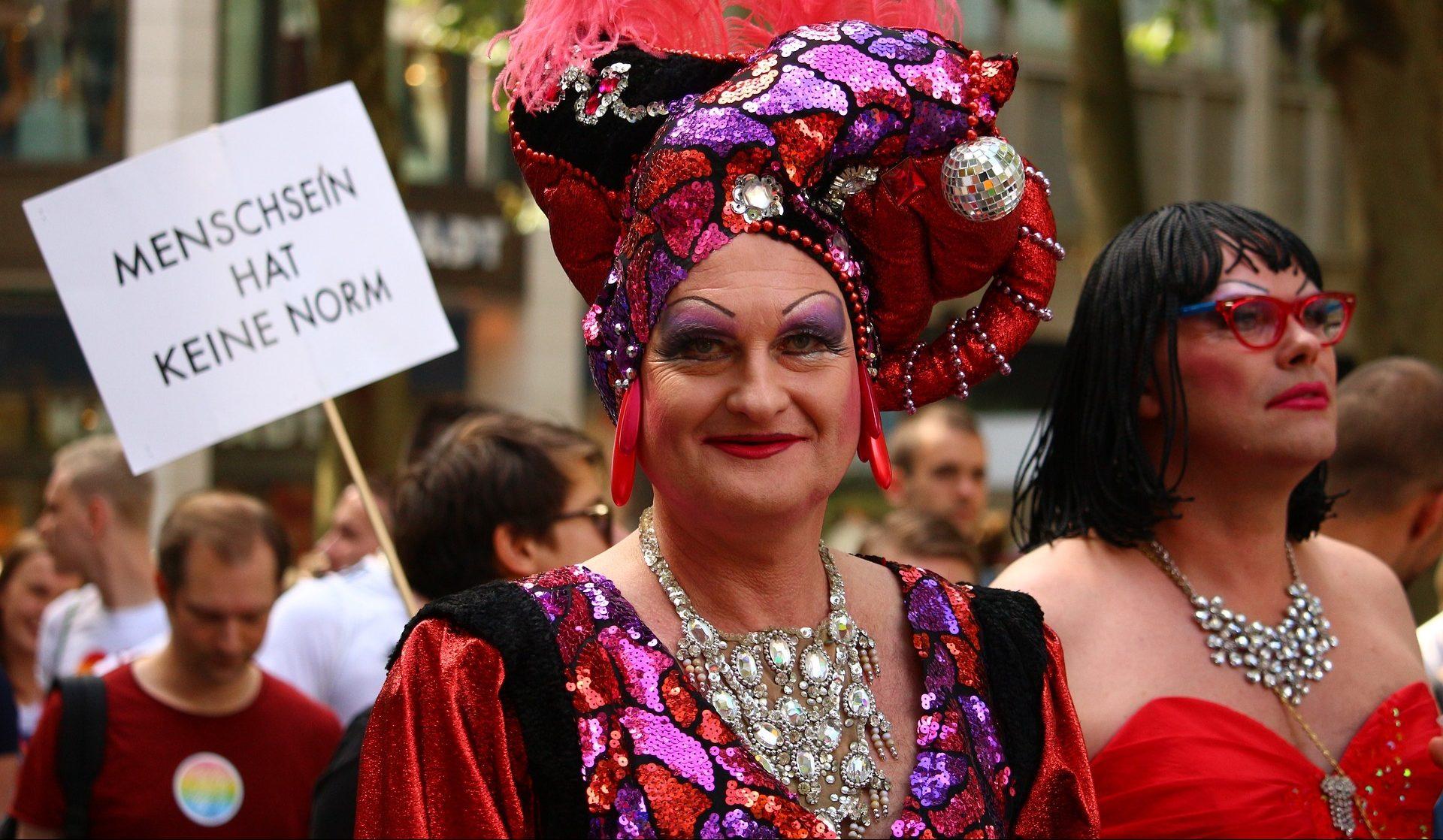 BesucherInnen auf der Pride