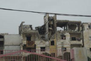Die zerstörte Stadt Mandschi in Syrien