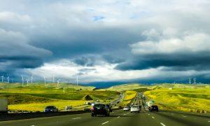 Umweltschutz auf Norwegisch: mit Elektroautos und Wasserkraft