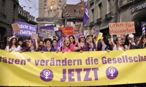 Der Frauenstreik in der Schweiz bewegte das Land, die Rechts-Regierung ignoriert ihn