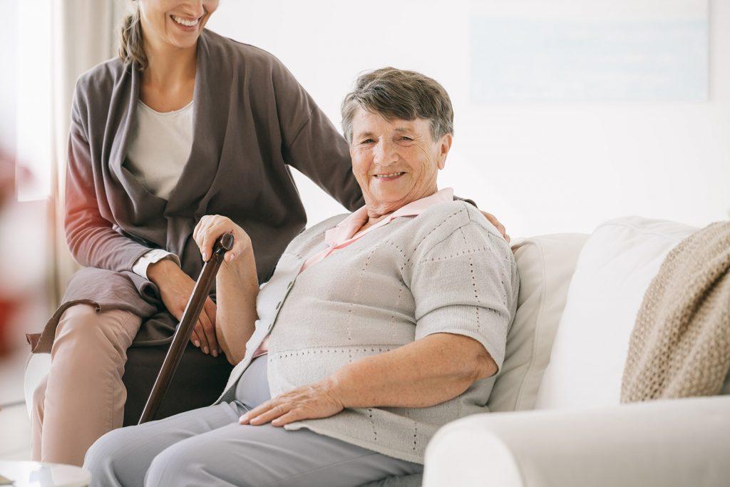 Kürzere Arbeitszeiten für Pflege kommen vor allem Frauen zugute