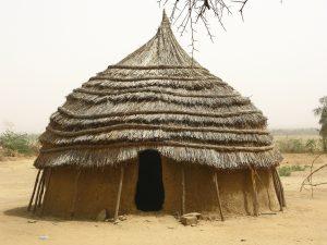 Das Projekt ermöglichte vielen in Kenia ein besseres Leben. Sie bekamen soetwas wie ein bedingungsloses Grundeinkommen, dass besser wirkte als die klassiche Entwicklungshilfe