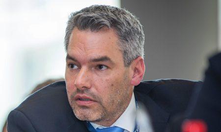 Minister Nehammer