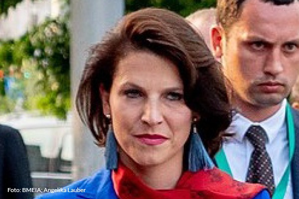 Ministerin Edtstadler