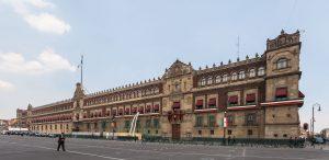 Auf dem Foto sieht man den mexikansichen Präsidentenpalast.