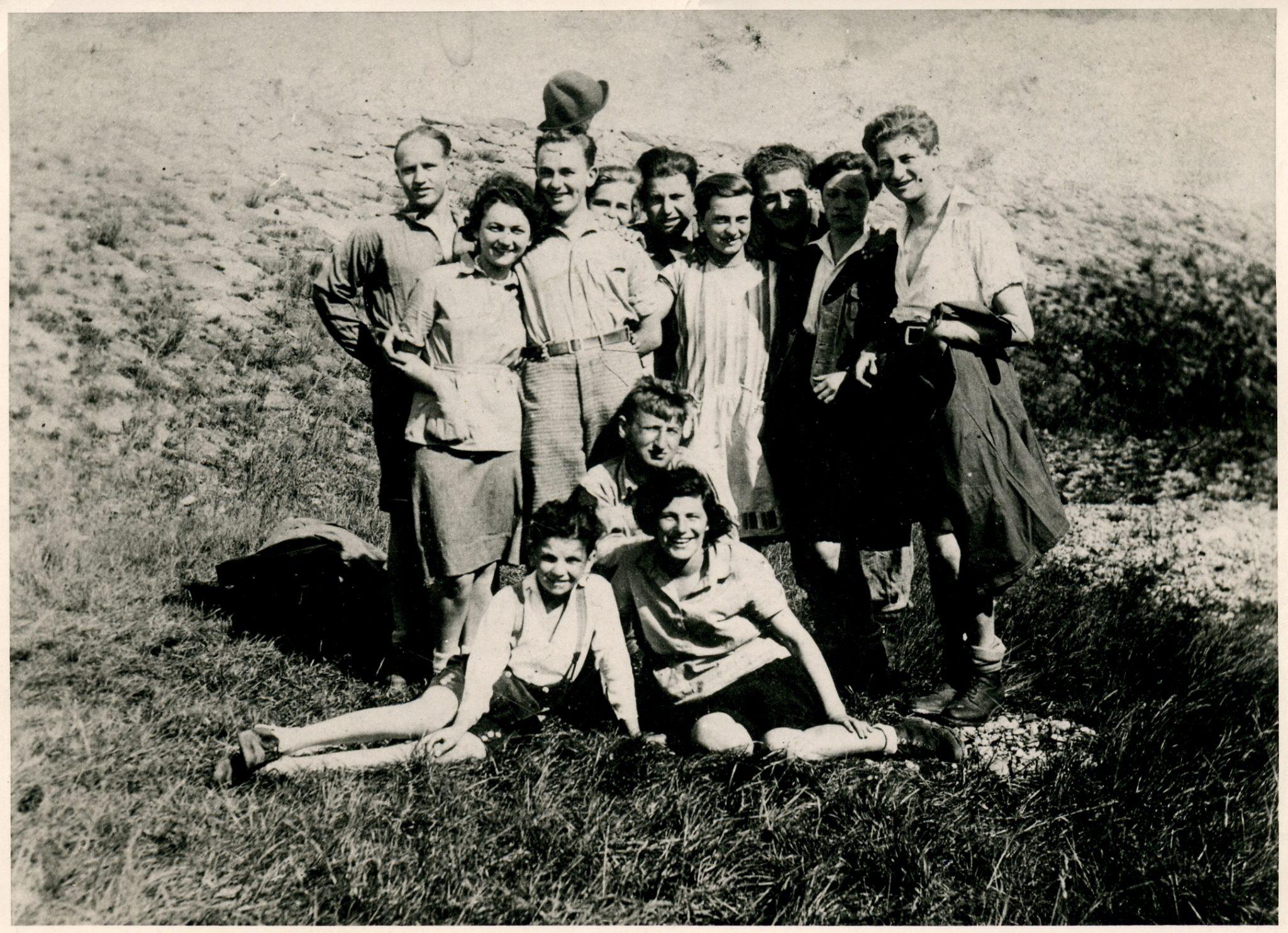 Bruno Kreisky (rechts) auf der Rax 1934