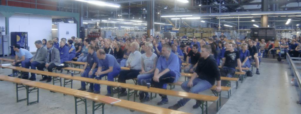 Betriwbsversammlung wegen Kündigungen bei ATB in Spielberg.