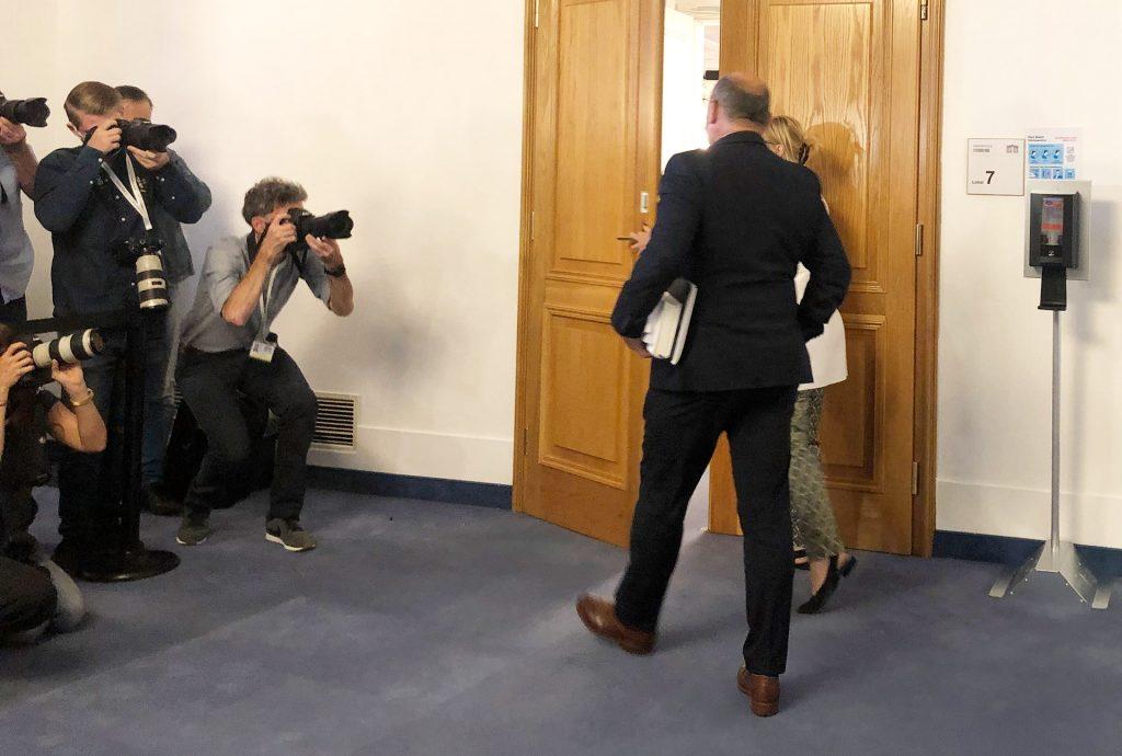 wolfgang-sobotka im parlament am weg zum u-ausschuss-ibiza