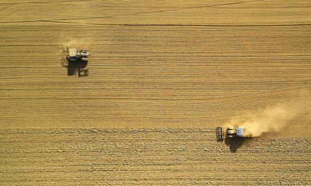 Landwirtschaft industriell betrieben - Foto: Johny-Goerend-unsplash