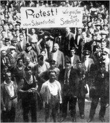 Justizpalastbrand; Archiv-Foto: Protest gegen Urteil von Schattendorf 1927
