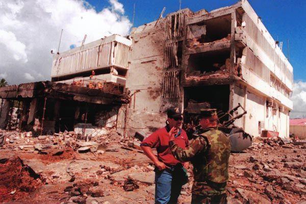 afghanistan geschichte zusammenfassung; bild von anschlag auf US-Botschaft in Tansania 1998